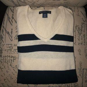 American living light navy/white sweater